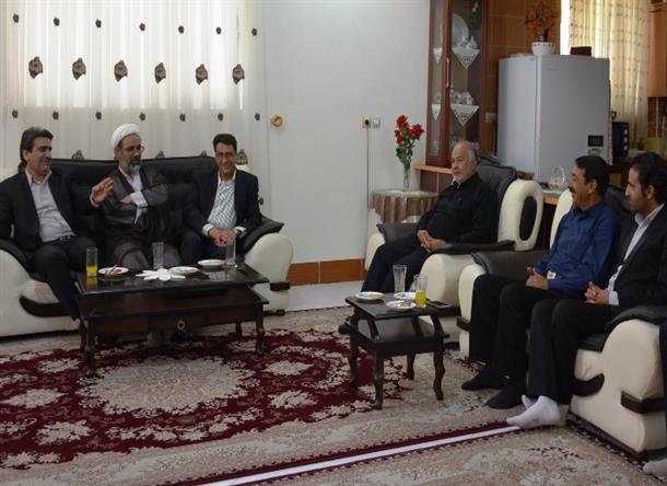 دیدار فرماندار و امام جمعه سرایان با تعدادی از خبرنگاران